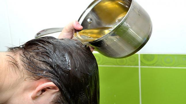 ما أسباب تساقط الشعر ؟ علاج تساقط الشعر بأفضل 10 وصفات طبيعية